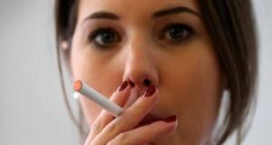 Studie-zeigt-–-die-Angst-Gewicht-zuzulegen-hält-Frauen-an-Zigaretten